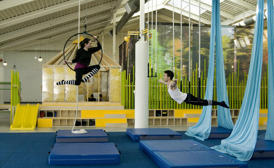 INTRO TO AERIAL HOOP & STATIC TRAPEZE